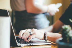 15 Cara Menghasilkan Uang Dari Internet